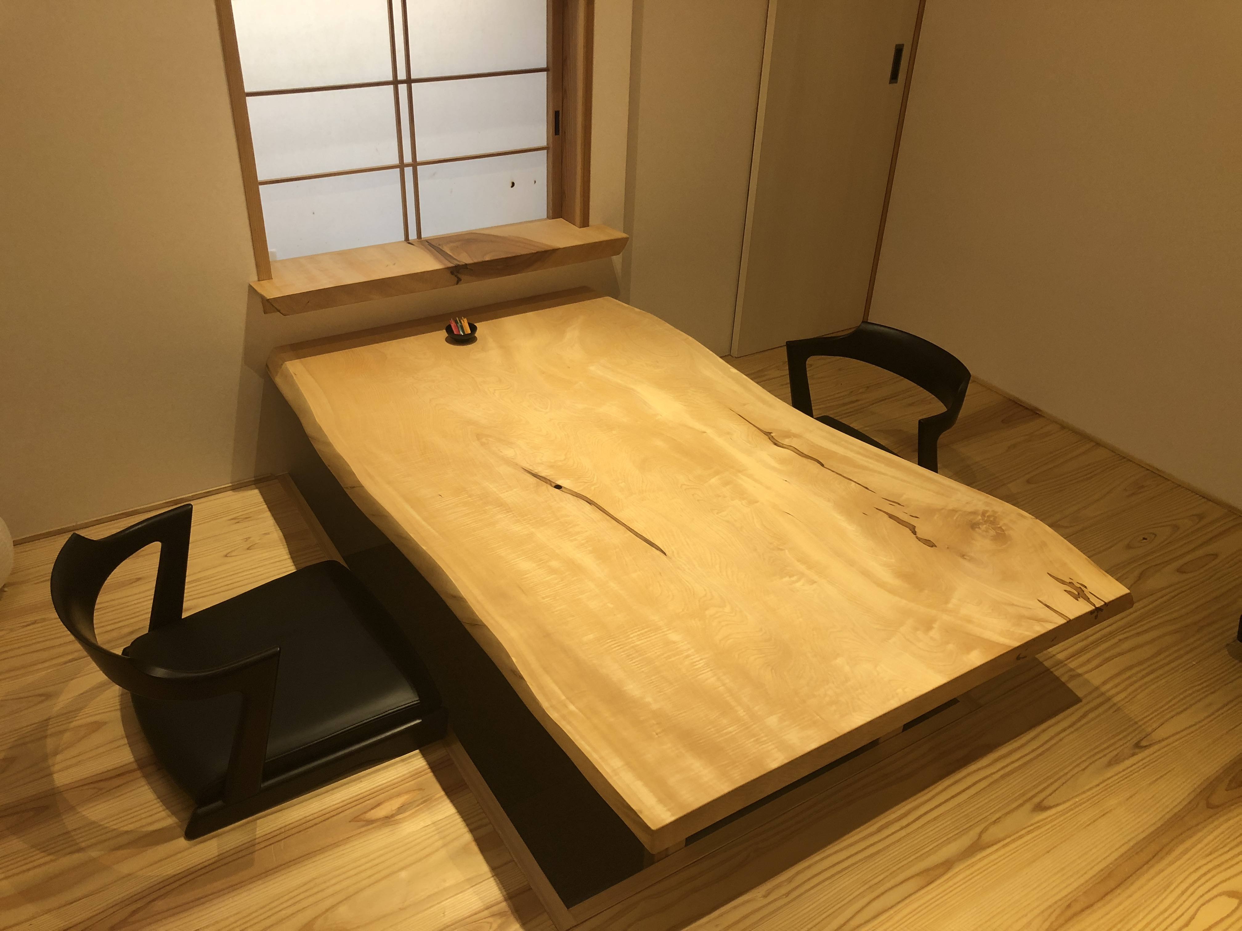 トチ一枚板座卓、店舗、鮨屋