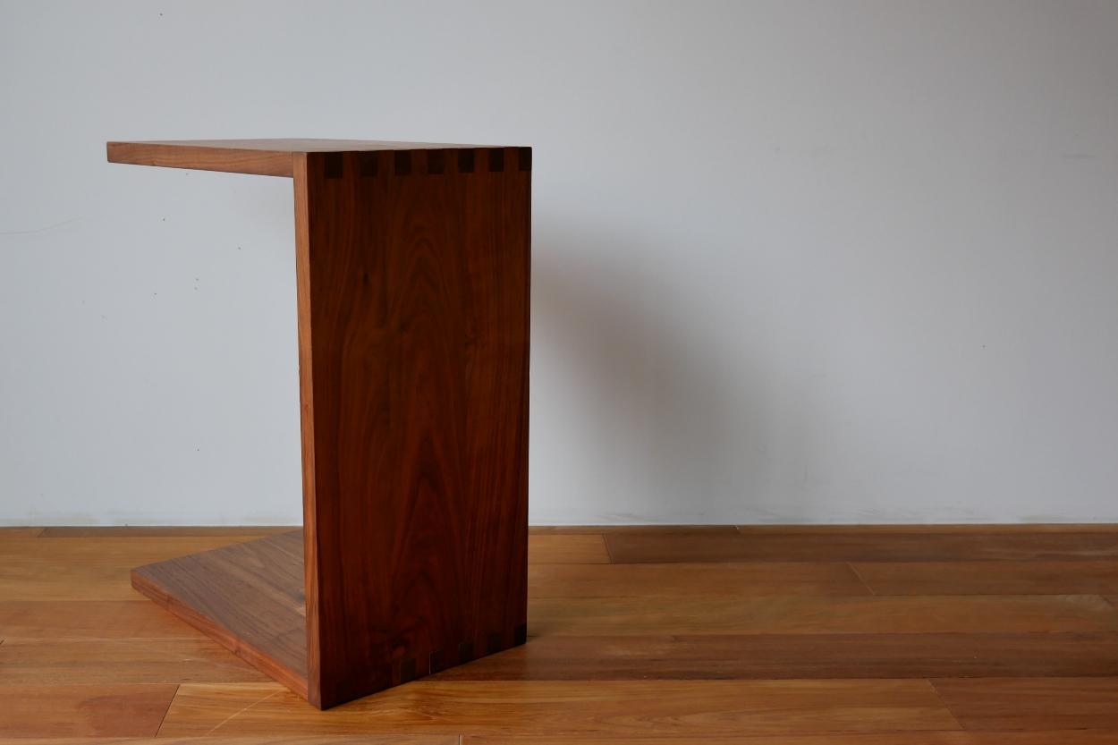 ウォールナット、サイドテーブル、無垢材、オイル塗装